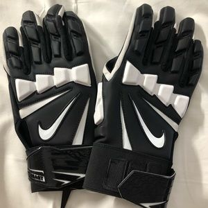 NIKE HYPERBEAST 2.0 LINEMAN FOOTBALL gloves